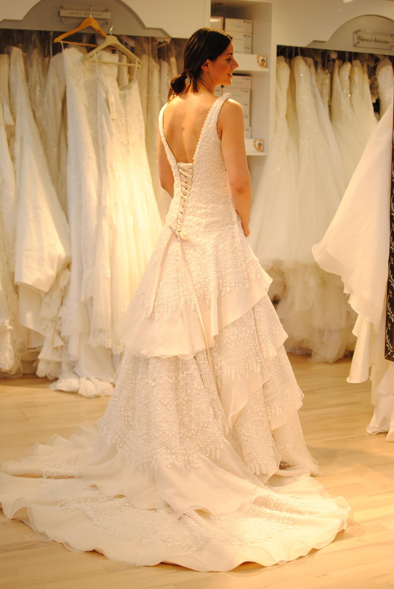 a79eb85ca1a9 Våra sömmerskor fixar din drömklänning! - Proms & Weddings Blog ...